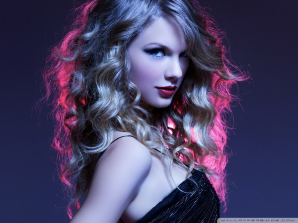 taylor_swift_5-wallpaper-800x600.jpg